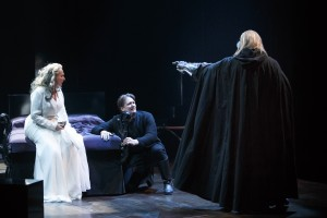Jonathan Goad as Hamlet, Seana McKenna as Gertrude and Geraint Wyn Davies as The Ghost. (Photography by David Hou.)