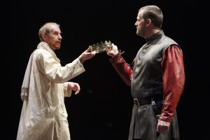 King Richard II (Tom Rooney, left) hands over the crown to Hewnry IV (Graham Abbey) ]Photos: David Hou]